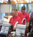 McDonalds Mitarbeiterauflauf