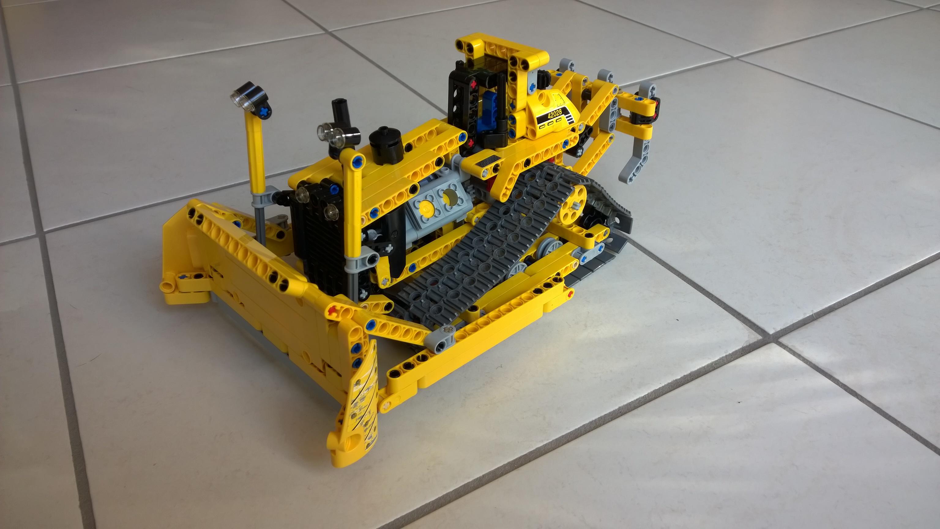 Lego Bulldozer - 42028