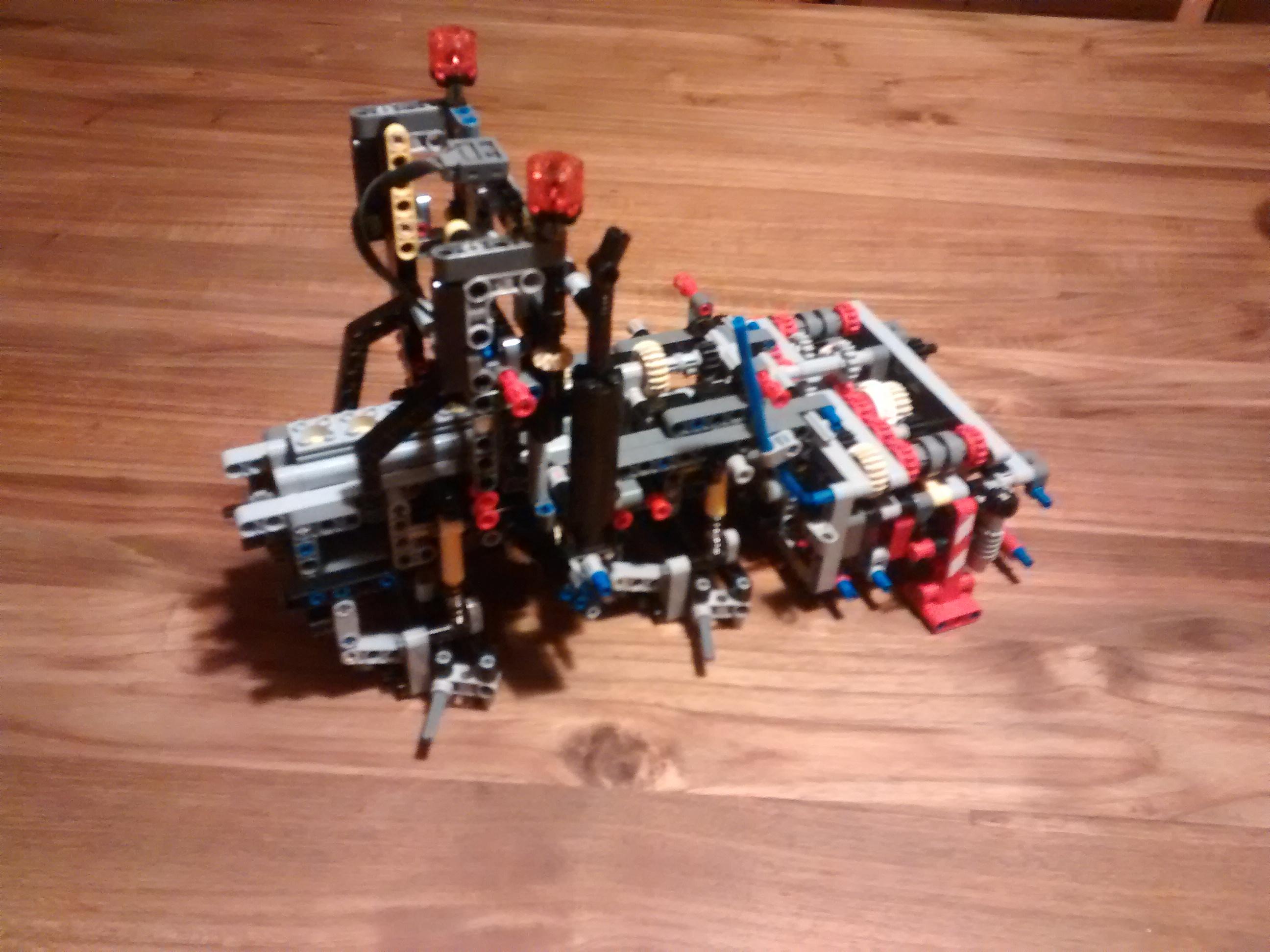 Mercedes Actros 3245 - Lego Technic 42043 - Ansicht nach Tüte 1 und 2